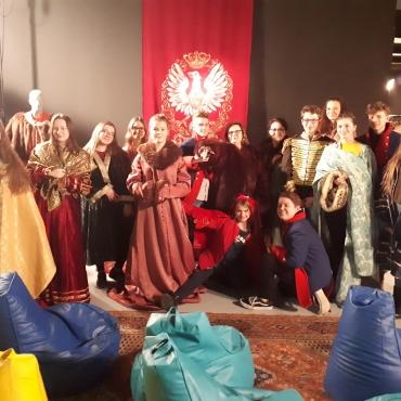 Szkolenie umiejętności charakteryzacji oraz zwiedzanie planu filmowego w Wytwórni Filmów Fabularnych i Dokumentalnych w Warszawie_9